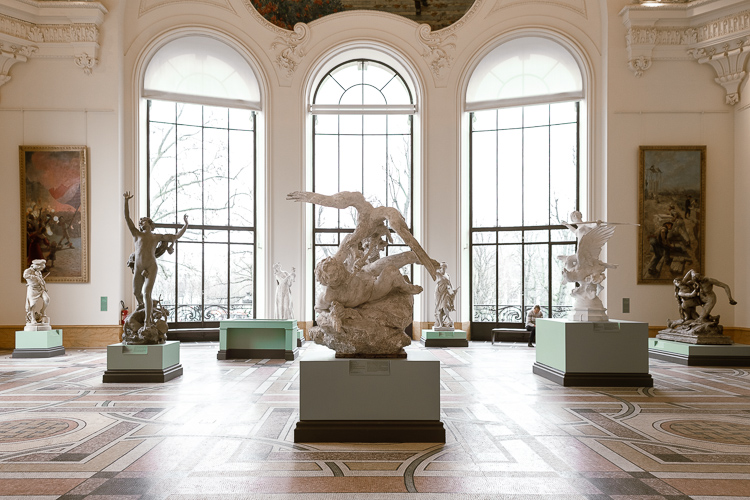 Sala espositiva e gipsoteca all'interno del Petit Palais di Parigi